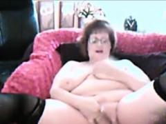 chubby-amateur-granny-masturbating-on-webcam