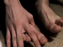 cute-gay-twink-porn-vid-handsome-benz-and-his-sexy-big-feet