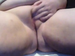 bbw-rubs-her-thick-pussy