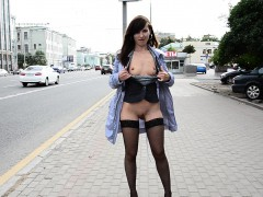 jeny smith flashing guys in and outdoors. WWW.ONSEXO.COM