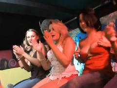 sluts-engulfing-in-strip-club