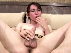 dripping-honey-makes-her-thick-shemale-cock-sticky-and-sweet