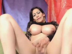 big-milky-boobs-on-webcam