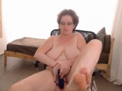 housewife-with-big-naturals-live-on-my-webcam