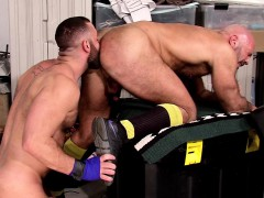 ass-fucked-muscly-bear