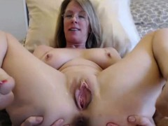 beautiful-busty-mature-milf-with-moving-vagina