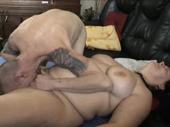 chunky-wife-having-fun-with-her-husband