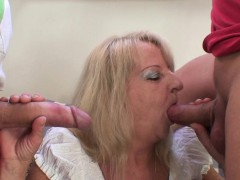 Boozed old grandmother rides and sucks cock – Videos XXX Incesto