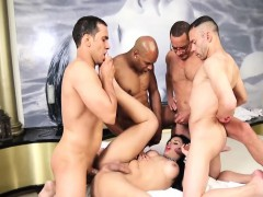 Shemale Beauty Enjoyed Gangbang With Four Dudes