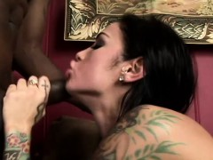 tattooed hottie with monster hooters has two huge cocks plowing her holes – سكس طيز