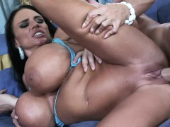 extremely-busty-mommy-lisa-lipps-loves-to-bonk