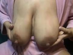 Lactating Mom Huge Nipples Vivan From Onmilfcom