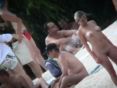spy cam record a group of sexy babes