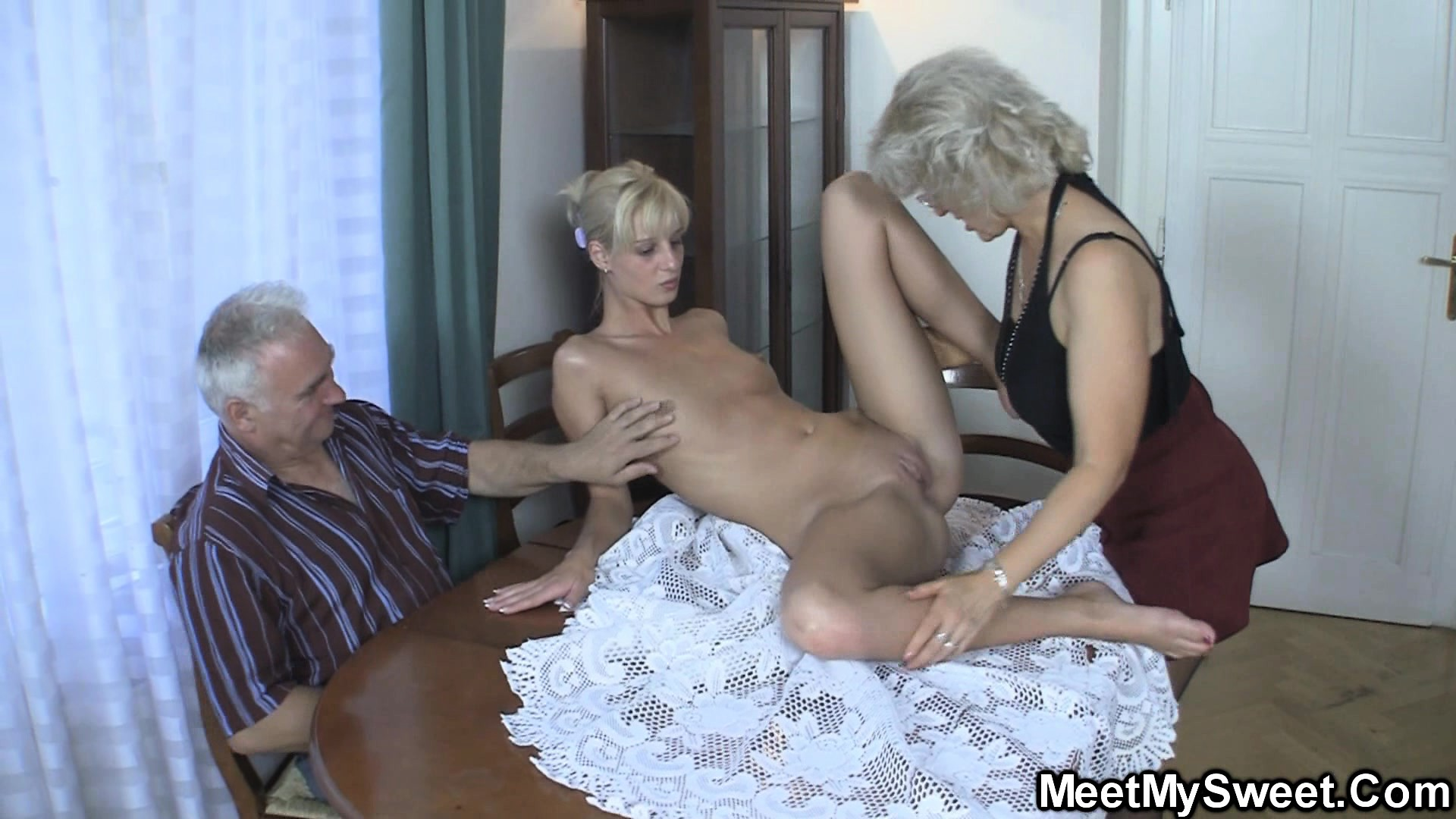 porno-zastala-mama-onlayn