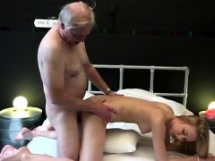 brea-bennett-blowjob-alice-is-horny-but-daniel-wants-to-go
