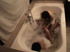Tub Sex With Amateur Hottie