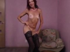 valarie-webcam-masturbating-on-42cam