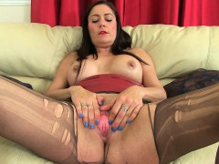 uk-milfs-jessica-jay-and-princess-leia-destroying-pantyhose