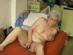 omapass-gray-haired-granny-enjoying-life