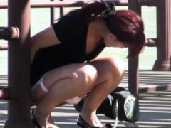 japanese-teen-pee-public