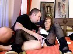 sexy milf screwing and drawing dick on cam