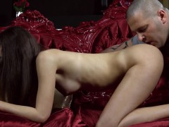 kissable-nympho-stretches-pink-slit-and-gets-deflorated