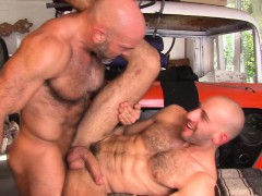 hung-buff-stud-spunks
