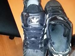 cumshot-adidas-superstar