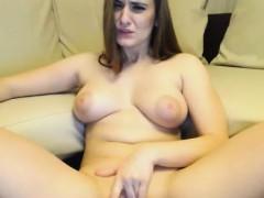 chick-masturbating-hard-and-reach-orgasm