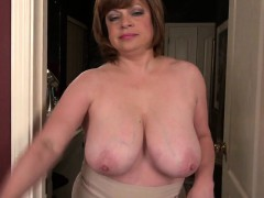 mature-american-milf-with-saggy-fa-pearly-from-1fuckdatecom