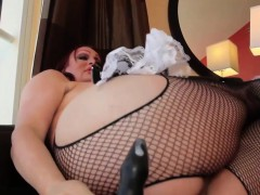 curvy-tranny-solo-fun-with-buttplay-and-wank