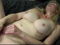 seductive-blonde-mature-mumsy-with-rosaria-from-1fuckdatecom