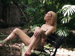 sucking dick while phone woman raylin ann is a sexy, red-hot