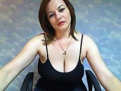 classy-seductive-mumsy-on-webcam26-tonita