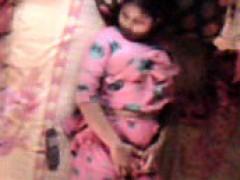 Bangladeshi Bhabhi Feeling Hot