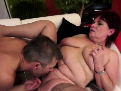 Cougar Orally Pleasured And Fingered