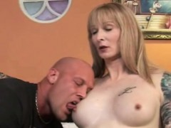 older-tranny-gets-her-asshole-rammed-by-a-stud