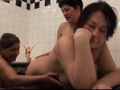 three-lesbians-grannies-in-in-the-bathroom