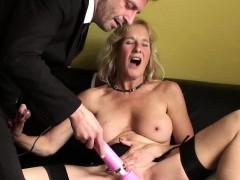 horny-british-mature-molly-masturbates-with-hitachi-wand