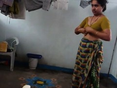 desi-with-hairy-armpit-wears-saree-corazon-from-1fuckdatecom
