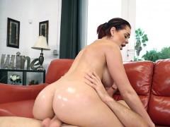 curvy-customer-skyla-novea-gets-drilled-by-masseur