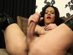 mature-tranny-toying-her-ass-hole