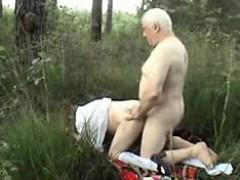 older-couple-outside-sex-wear-twee-vernetta-from-dates25com