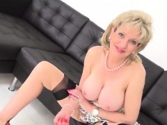 adulterous-uk-milf-lady-sonia-exposes-her-monster-boobs