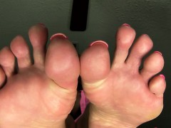 worship-stepmoms-feet-720p