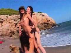 french lesbo bang about the beach