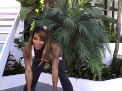 ebony-tgirl-receives-blowjob-after-workout