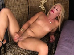 cum-loving-tranny-sprays-her-hot-jizz