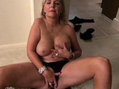 amorous-american-mature-mother-wit-julee-from-dates25com