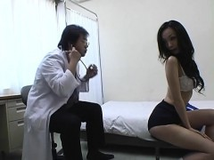 subtitled-cmnf-japanese-schoolgirls-group-medical-exam